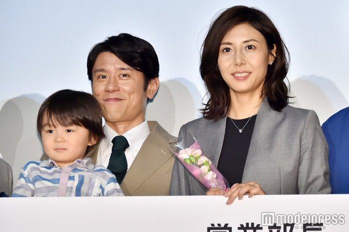 松嶋菜々子と夫婦役で原田泰造がニヤニヤ「大好き」(C)モデルプレス