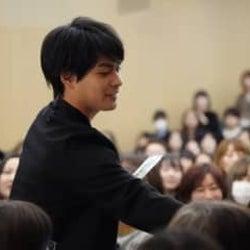 柳楽優弥、ファンイベント開催!近すぎるファンサービスに歓声