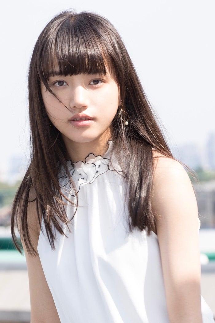 <清原果耶(きよはら・かや)プロフィール>2002年1月30日生まれ、大阪府出身。2014年10月「アミューズオーディションフェス2014」グランプリを受賞し芸能界デュー。2015年3月から雑誌「nicola」専属モデル、2018年8月より「Seventeen」専属モデル。2015年朝ドラ「あさが来た」で女優デビューを果たした。主な代表作にドラマ「セトウツミ」、「宇宙を駆けるよだか」、映画「3月のライオン」、「ちはやふる -結び-」、「愛唄 -約束のナクヒト-」など。現在は「俺の話は長い」に出演中。