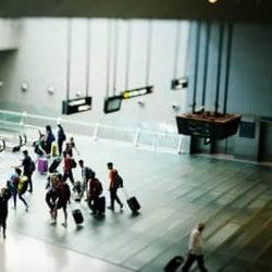 新型コロナウイルスで契約凍結、空港でパスポート紛失…「思わぬトラブル」エピソード