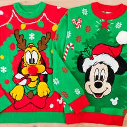 セーター各5,900 円 (C)Disney
