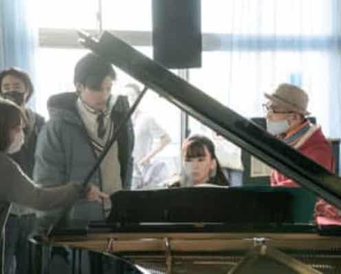 永野芽郁がピアノを猛特訓!『そして、バトンは渡された』メイキング映像が公開