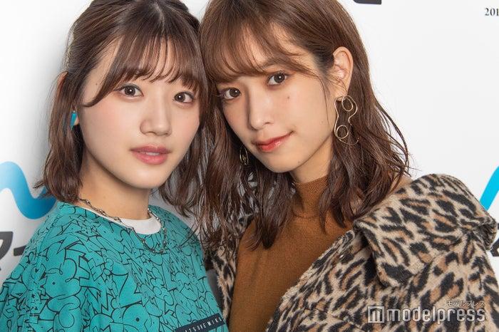 モデルプレスのインタビューに応じた、佐々木美玲&佐々木久美(C)モデルプレス