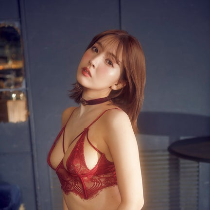 三上悠亜、撮り下ろしヘアヌード公開「6年間で体型はすごく変化しました」