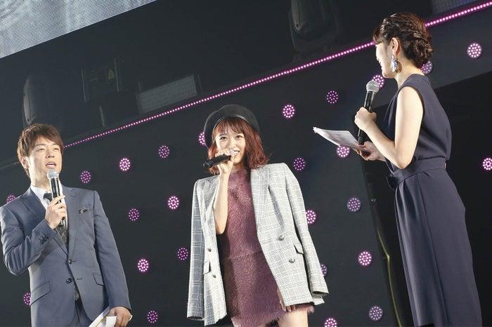 近藤千尋(中央)が産後初のTGC(C)マイナビ presents TOKYO GIRLS COLLECTION 2017 A/W