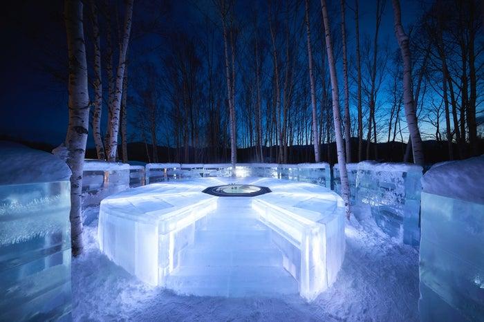 氷の露天風呂/画像提供:星野リゾート