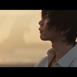 米津玄師、新曲「迷える羊」初公開 神秘的な表情を披露