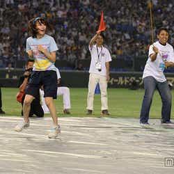宮脇咲良が奇跡のプレー連発/「第1回AKB48グループ対抗 大運動会」(C)AKS