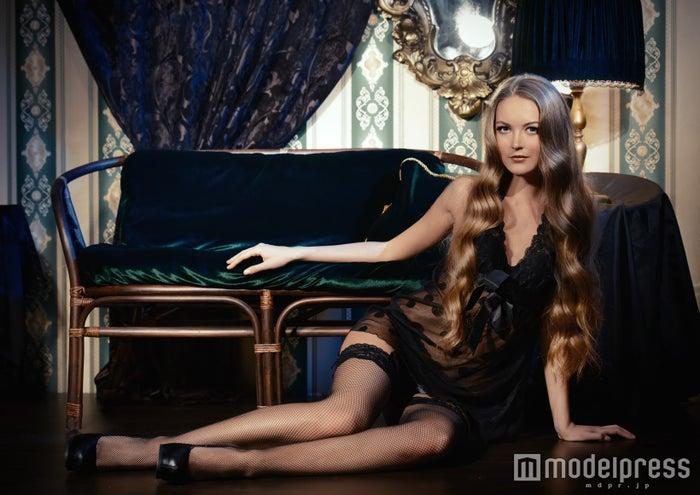細くセクシーに見せてくれる「透け」の魔法(Photo by Andrey Kiselev/Fotolia)