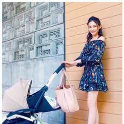 モデルプレス - 押切もえ、ミニスカートで色白美脚「ママに見えない」「スタイル変わらない」と絶賛の声