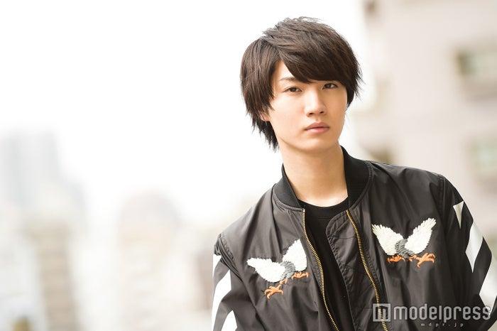 モデルプレスのインタビューに応じた桜田通(C)モデルプレス