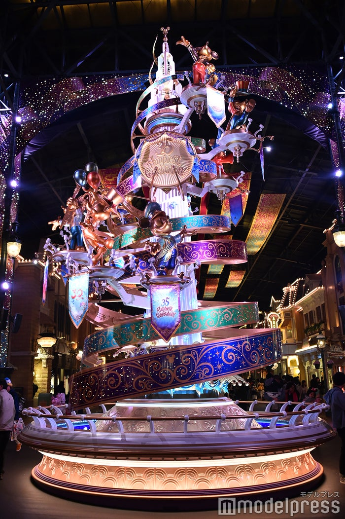 セレブレーションタワー/夜(C)モデルプレス(C)Disney