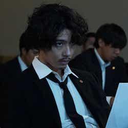 賀来賢人/「ニッポンノワール―刑事Yの反乱―」第1話より(C)日本テレビ