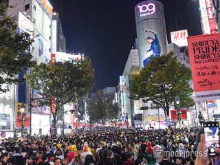 ハロウィン渋谷「歩行者天国」出現 仮装集団でごった返し通行規制