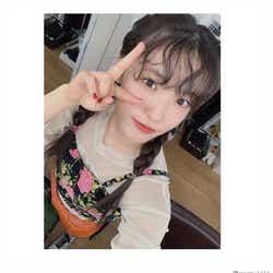 """モデルプレス - AKB48下尾みう""""ヒッピーバング""""に「可愛すぎ」「おしゃれ」と世界中から反響殺到"""