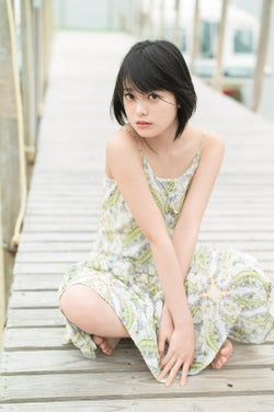 """欅坂46平手友梨奈、修学旅行で""""ナチュラル美""""披露"""