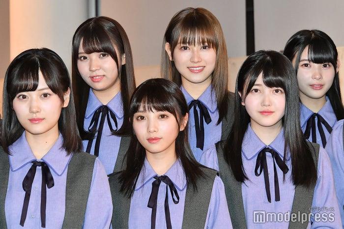 (下段左から)山下美月、与田祐希、久保史緒里(上段左から)小林由依、守屋茜、柿崎芽実 (C)モデルプレス