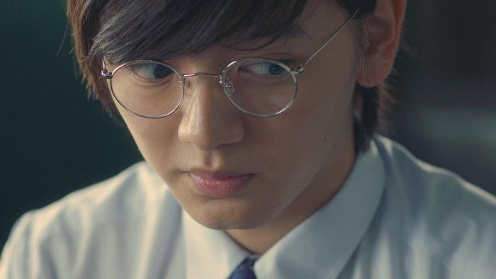 濱田龍臣/「家庭教師」篇より(提供写真)