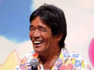 ステイホーム続いた松崎しげるの日焼け肌に驚き殺到 「爆笑してる」「ビックリ」 『マツコ&有吉 かりそめ天国』で黒すぎる日焼け肌で知られる松崎しげるが登場して…