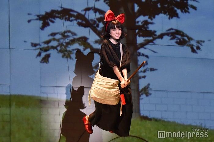 福本莉子 /ミュージカル「魔女の宅急便」公開フォトコールより(C)モデルプレス