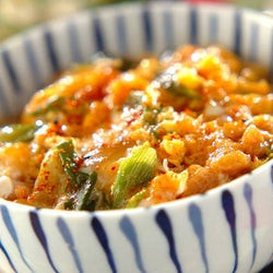 面倒な揚げ物なしで作れる本格派の味わい 「シラス天とじ丼」