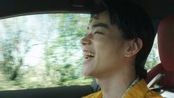 菅田将暉&中条あやみ、ドライブでアカペラ披露