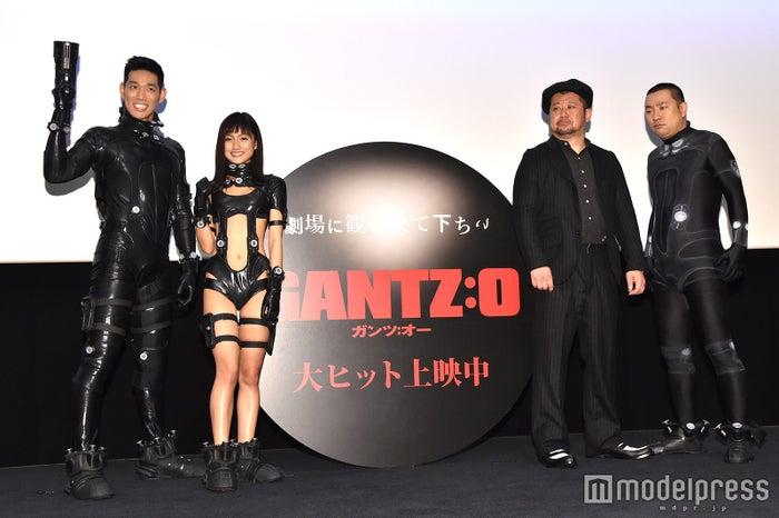 (左から)レイザーラモンHG、武田あやな、ケンドーコバヤシ、レイザーラモンRG(C)モデルプレス