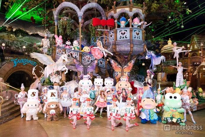 上演中のサンリオハートフルパレード「Believe」(C)2013 SANRIO CO., LTD.