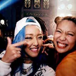 DJ Am0/「COME PARTY!」より(C)キングレコード