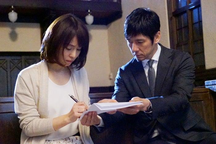 石田ゆり子、西島秀俊(画像提供:関西テレビ)