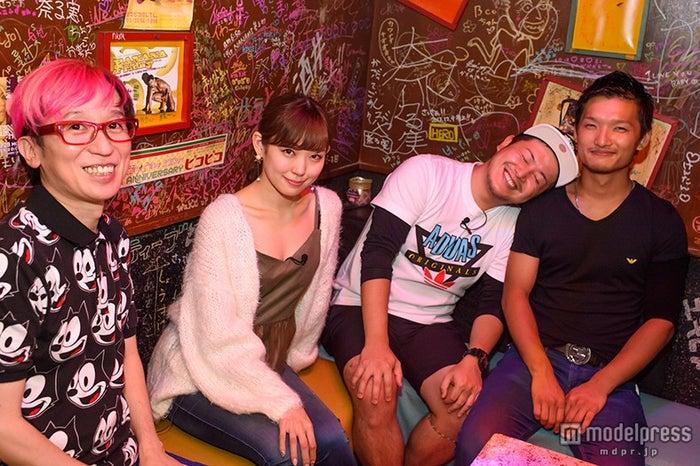 渡辺美優紀、ゲイバーへ初来訪