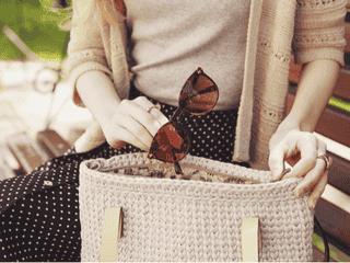 サッと渡して気になる彼の印象アップ♡「モテ女の鞄の中にあるもの」4つ