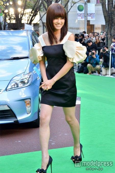 「第25回東京国際映画祭(TIFF)」のグリーンカーペットに登場した前田敦子