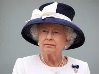 エリザベス女王、誕生日の礼砲が中止。