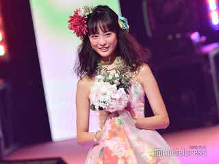 「あなたの番です」で話題の大友花恋、美背中まぶしい花柄ドレスにキュン<Seventeen 夏の学園祭2019>