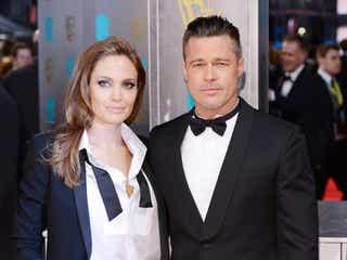 アンジェリーナ・ジョリーとブラッド・ピットが結婚