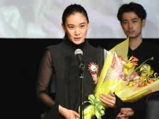 蒼井優「皆さんも映画を信じて」最優秀女優賞に笑顔 第11回TAMA映画賞
