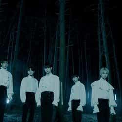 「ENHYPEN」1stトレーラー映像より/(左から)JAY、JAKE、JUNGWON、SUNGHOON、SUNOO、NI-KI、HEESEUNG(C)BELIFT LAB