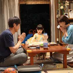 時任三郎・加藤柚凪・上野樹里/「監察医 朝顔」第9話より(C)フジテレビ