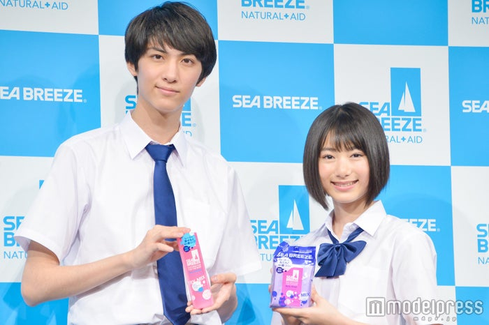 (左から)古川毅、池間夏海 (C)モデルプレス