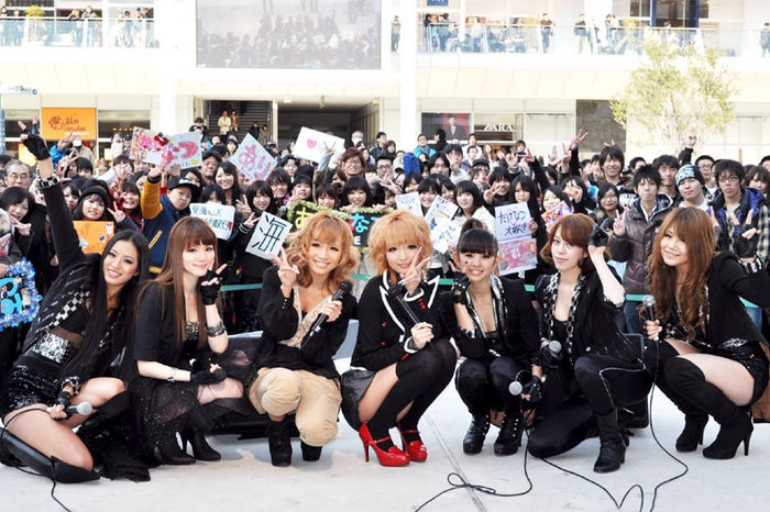 rhythmic、斉藤夏海とトークショーに出演した鎌田安里紗(中央左)