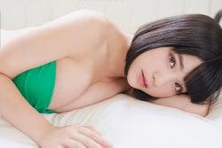 根本凪/撮影:熊谷貫 (C)小学館・週刊ビッグコミックスピリッツ