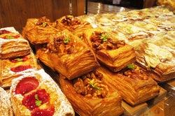 80種類の焼きたてパンが全部100円も!東京都内の100均ベーカリー3選