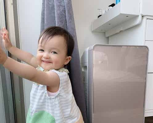 川崎希、つかまり立ちが上達した生後11か月の娘の姿を披露「おめでとう~」