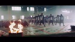 欅坂46「ガラスを割れ!」MVより(提供画像)