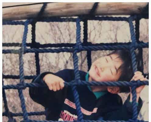 町田啓太、31歳バースデーで幼少期ショット公開「すでにイケメン」「可愛すぎ」と反響