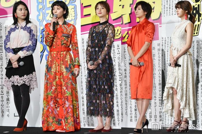 左から:志田未来、夏帆、佐々木希、木村文乃、池田エライザ (C)モデルプレス