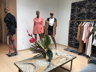 リアーナの新ブランド「フェンティ」 NYで限定店オープン