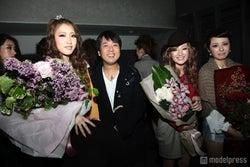 (左から)田辺音羽さん、編集長の石原亘氏、村上紫保さん、高園あずささん