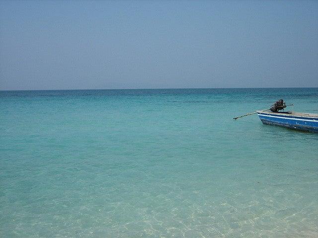 Koh Larn Island by girolame
